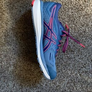 ASICS blue and pink gel cumulus 20, size 9.5